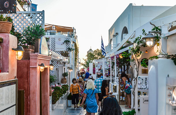 A First-Timers Guide to Greece: Exploring on a Budget