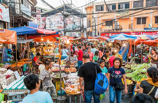 The busy streets of Quiapo in Manila, Philippines