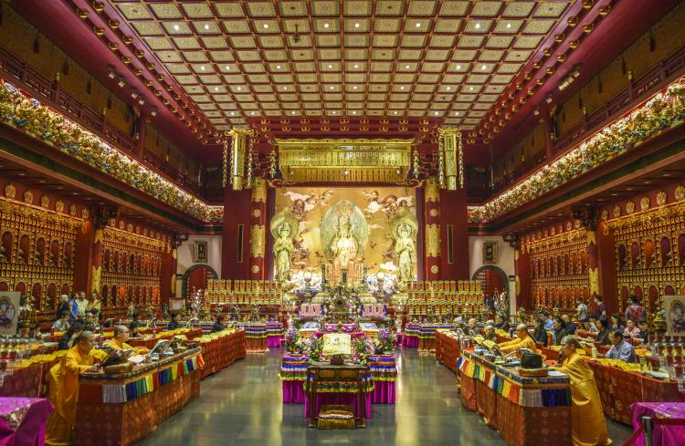 The ostentatious Buddha Tooth Relic Temple in Singapore.