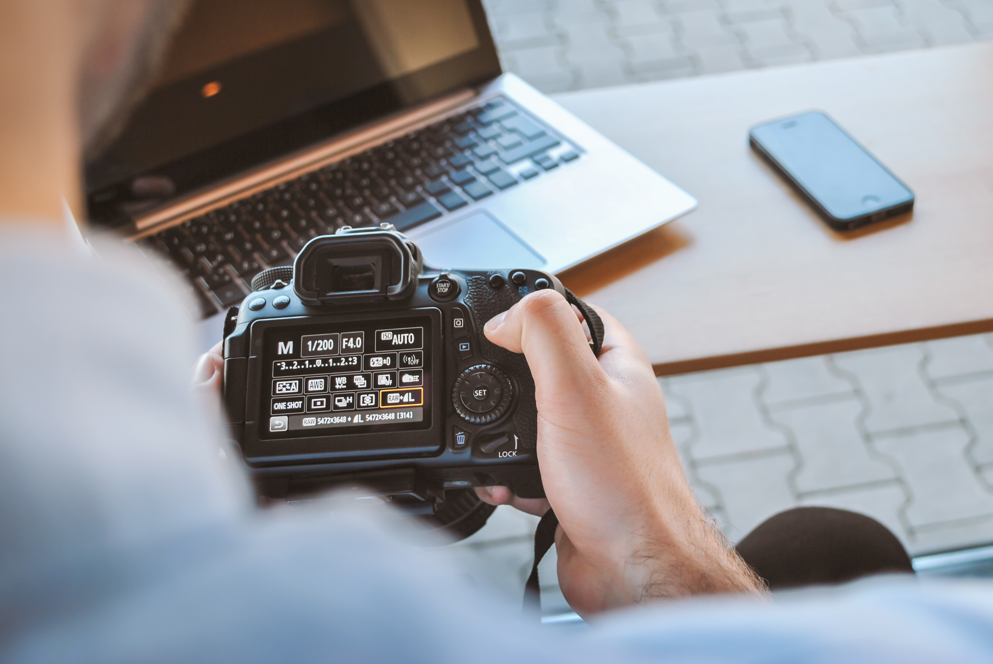 6 Basic Business Tools Every Travel Photographer Needs